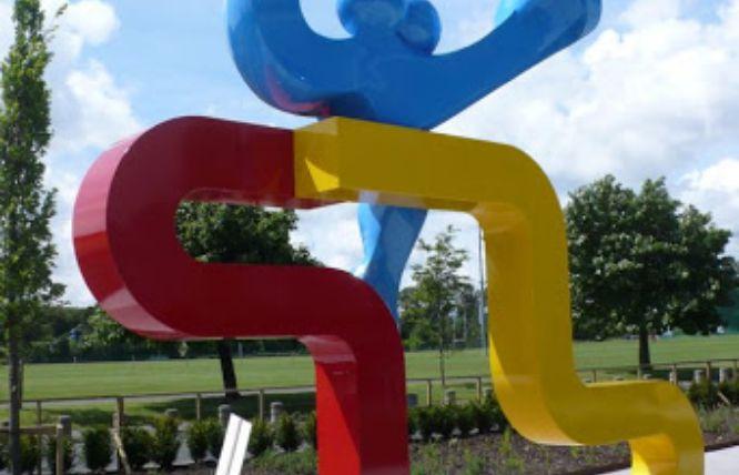 Close up of Kents sculpture